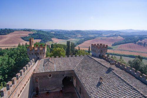 Castello Oliveto